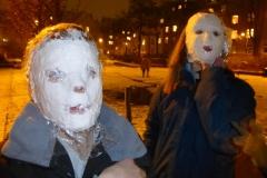 werden-zu-gruseligen-gipsmasken
